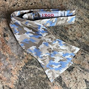 Baby Blue Silk Bow Tie by Izod and it's Camoflage!